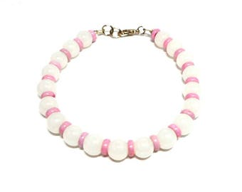 Bracelet white round pearls and pink ceramic