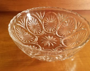 Anchor Hocking Cut Glass Bowl in Star and Cameo Medallion Pattern Scalloped Edge Serving Bowl