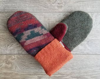 Best Wool Sweater Mittens // Womens Sweater Mittens // Fleece Lined mittens // Southwestern Pattern