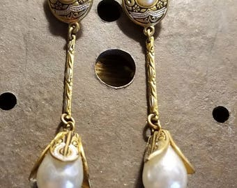 Beautiful and delicate vintage brass clip on Damascene faux pearl earrings