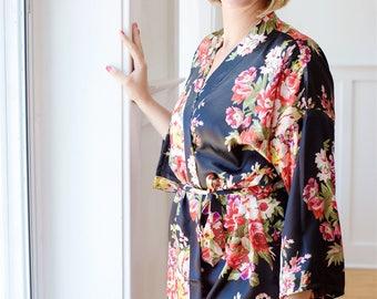 Set of 7 Robes, Bridesmaid Robes, Bridesmaid Gift, Floral Robes, Satin Robes, Monogrammed Robes, Bridal Party Kimono Robes (+ Gift Pouches)