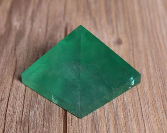 Green Fluorite,Fluorite pyramid,Natural Home Decor,Wicca Stones Crystal Decor,Fluorite  Healing  J977