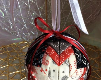 Love Note Quilted Ornament 3""