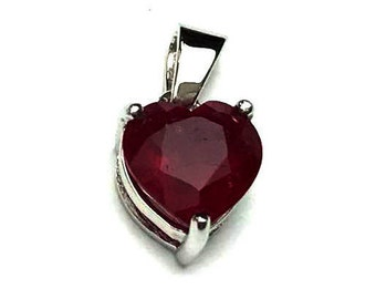 10x10 MM Ruby Glassfilled Cut Pendent Silver 92.5%