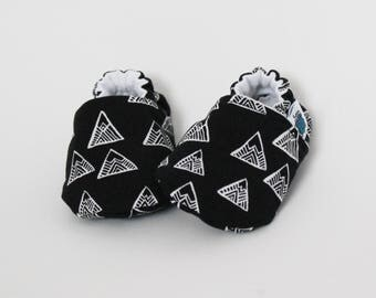 Baby slippers, Crib shoes, Mountains, Black, White, Woodland, Adventure, Flannel, Cotton, Soft soles, Moccasins, Toddler, Shower gift idea