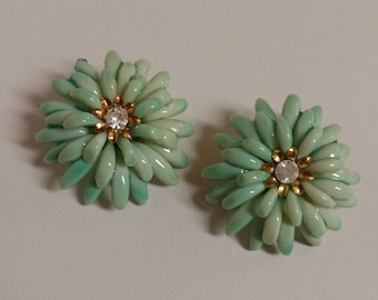Vintage Green Flower Rhinestone Center Clip On Earrings