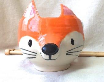 Orange Fox Yarn Bowl, large ceramic knitting bowl forest animal yarn storage wheel thrown pottery stoneware yarn pot handmade gift knitter