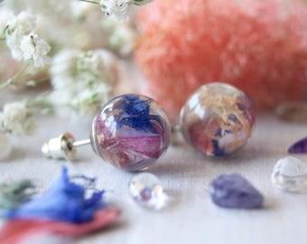 Botanical jewelry, Wedding nature earrings, Real flower earrings, Nature lover gift, Friend earring gift, Eco Terrarium, Flower Resin sphere