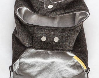 SM dog coat with collar // Classic jacket for a small dog in navy blue and olive green tweed wool with gray flannel lining and snap closures