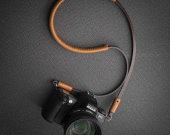 "Camera shoulder/neck leather slim strap ""Marraquexe"" from Deadcameras"