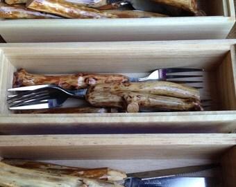 16-piece Tableware Set with Manzanita Handles