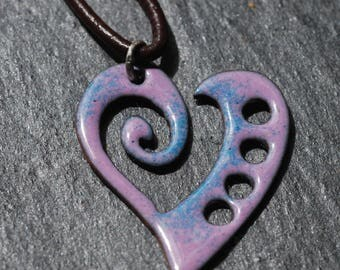 Curly heart pendant with mauve and blue enamel