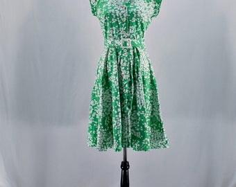 Vintage 50s 60s green floral button down midi shirt dress // Size XS / S