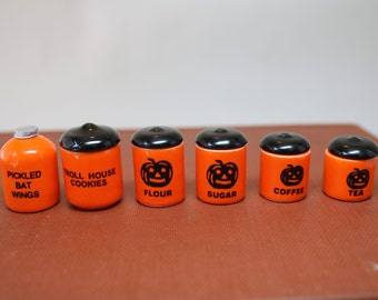 Dollhouse Miniature Set of 5 Graduated Ceramic Halloween-Themed Kitchen Canisters & Matching Jug (1/12 Scale)