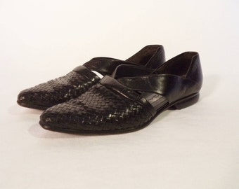 80s Via Spiga Italy flats// Woven black leather boho hipster pointed slip on shoes// Women's size 6-6.5 USA