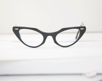 Vintage Black Cat eye 1950's Eyeglasses / Bausch and Lomb USA