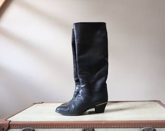Boots high leather Navy Blue, circled, heel 80s s woman / 90's Boots Shoes vintage