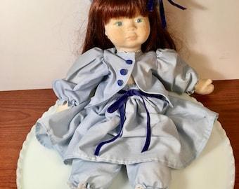 Handmade Doll//Stuffed Doll//Colonial Dressed Doll//Vintage Handmade Doll