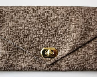 Bronze Stingray leather pouch