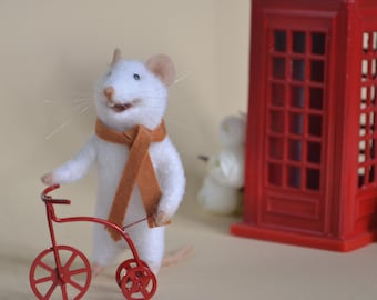 Felted white mouse Mothers day Felted animals Wool mouse 1:12 scale Felt mouse Doll miniature Felt figurine Needle Felting  Felted mice