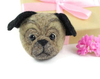 Pug Brooch, Needle Felted Pug, Pug Lover Gift, Dog Brooch, Pug Jewellery, Dog Jewellery, Pet Brooch, Pug Pin, Pug Badge, Puppy Brooch