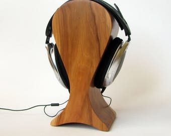 The best headphones friendly Wooden stand of old apple