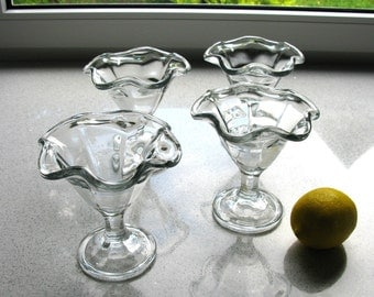 Italian / Mid Century / Footed / Dessert Bowls / Cups / Sherbets / Set Of 4 / Ruffled Rim / Clear Glass / Ice Cream Sundae / Fruit / Pudding