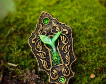 Keyhole brooch with growing leaves. MADE TO ORDER. Keyhole pin. Moss. Nature jewelry. Polymer clay brooch. Bronze antique keyhole. Fantasy.