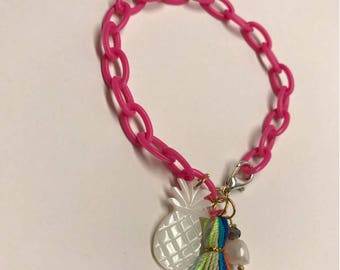 Acrylic Chain with Shell Pineapple