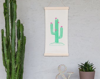 DIY-Freundschaftsbox: Wall decoration with cactus for printing and embroidering