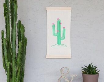 DIY-Freundschaftsbox: Wanddeko mit Kaktus zum selber drucken und besticken