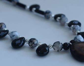 Agate and Onyx Necklace