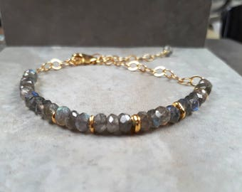 Labradorite bracelet, dainty stacking bracelet gemstone, labradorite jewelry, labradorite jewellery, layering bead bracelet woman, gift idea