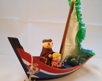 St. Antony's Portuguese Diorama - 3D Portuguese Diorama - 3D Diorama  - Lisbon Patron Saint in a boat - For a Collector- Gift for her-