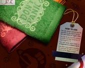 """The Hitchhiker's Guide to the Galaxy """"Don't Panic"""" Towels"""
