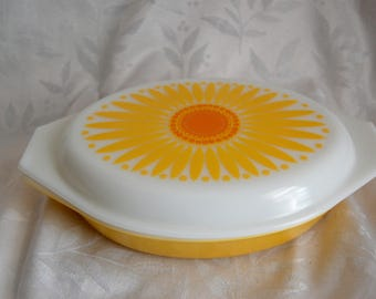 Sunflower Divided Casserole Dish With Lid - Vintage Pyrex