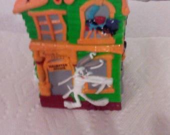 Vintage Looney Tunes Halloween Bank 1997 Bugs Bunny ,Daffy Duck ,Tweety Bird ,Warner Bros
