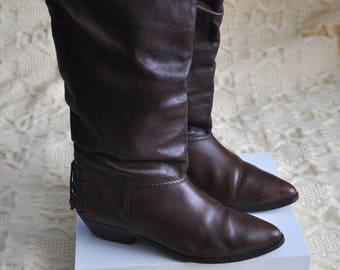 Vintage brown leather boots, western style boots, boho boots, pull on boots, low heel womens boots