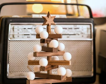 Wooden christmas tree (20cm, walnut), white balls, Fair Trade bag