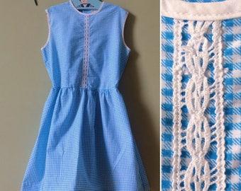 Girls vintage dress / girls dress. original vintage 1960s 1970s. Blue, & white gingham  check. Summer dress. Age 6 years - age 7 years