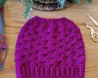Crochet Messy Bun Beanie / Hat, ponytail hat, handmade messy bun hat, handmade ponytail hat, crochet hat
