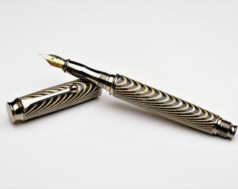 Stunning striped ply fountain pen