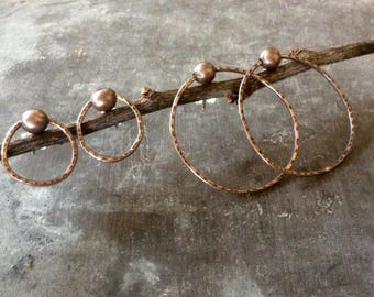 Minimal primitive circle posts,minimalist circle earrings,copper circle earrings,geometric copper posts,organic circle earring