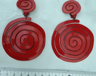 SCOOTER * clip earrings * Vintage 80's * red metal spiral