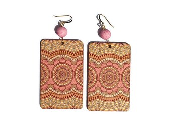 Molded wood earrings, pearls and gold plated earwires magma style resin