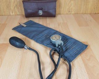 Blood pressure monitor  - Blood pressure meter -  Old pressure gauge manometer - Manual blood pressure -  Pressure meter in original box