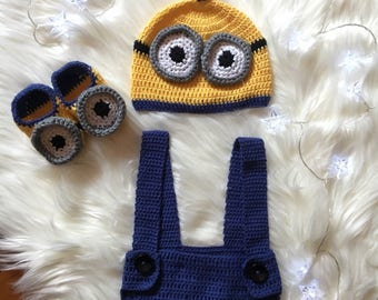 A  hand Crochet Minion Baby Beanie, bodysuit and booties/ Crochet Baby Clothes/ Cotton Baby Knitwear/ Boy Minion