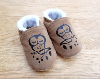 Brown genuine leather with black owls lined with fleece and non-slip sole, soft booties leather slippers and fleece