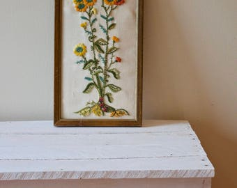 Vintage Framed Embroidery || Floral Crewel Embroidery