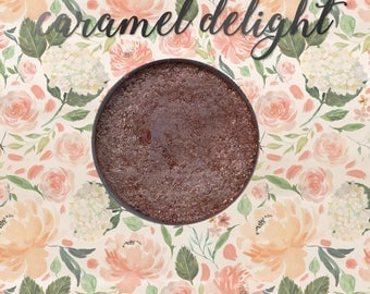 Caramel Delight, 26 mm single pan eyeshadow, light bronze micro-fine glitter